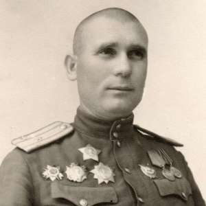Photo of the Colonel of the red army with orders of Suvorov, B. Khmelnitsky, Nevsky, S, BKZ and medals
