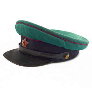 The cap of the officer of the border troops of the NKVD 1935 arr.