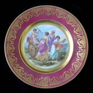 Decorative plate with picture of ancient maidens and Cupid