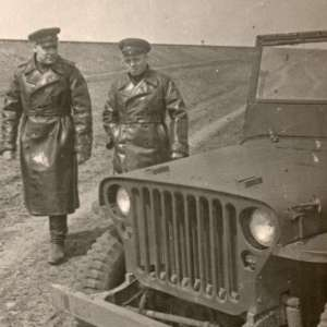Photo generals of the red army at the service of the station wagon