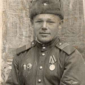 Photos of the Sergeant of the airborne troops of the USSR in the form of 1943