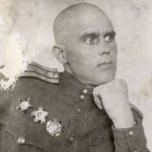Photo of a senior officer of the red army with military orders